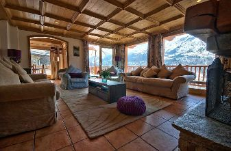 Meribel Village catered chalet Lamato lounge