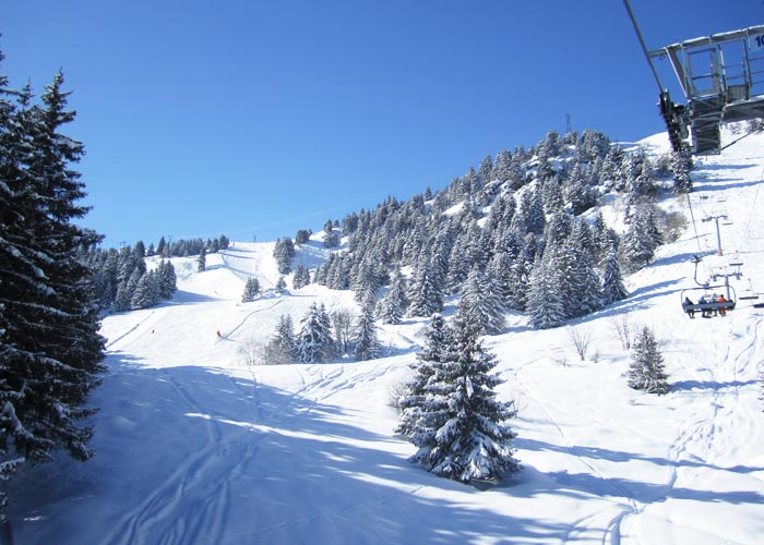 Meribel-Tougnete-Mountain-In-Morning-Sunshine-9am