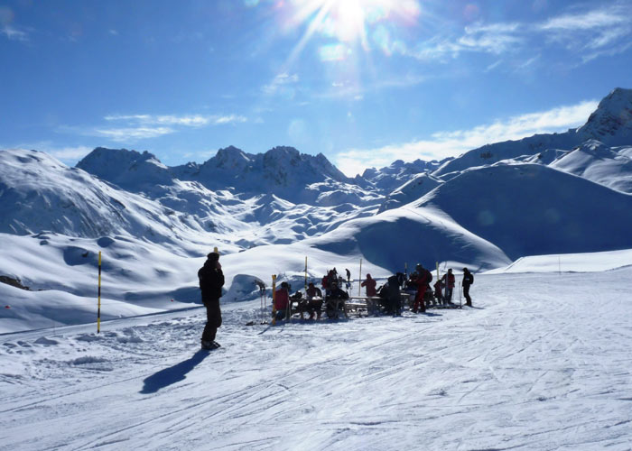 Picnic-On-PIste-in-courchevel
