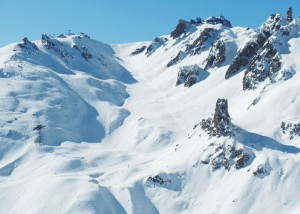 The-famous-Couloirs-Of-Courchevel-Dividing-It-From-The-Meribel-Valley