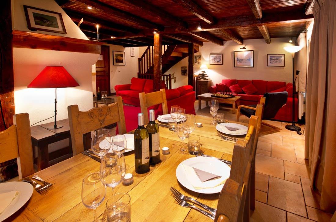 Meribel catered chalets 4 bedrooms chalet du guide dining room