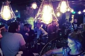 den bar