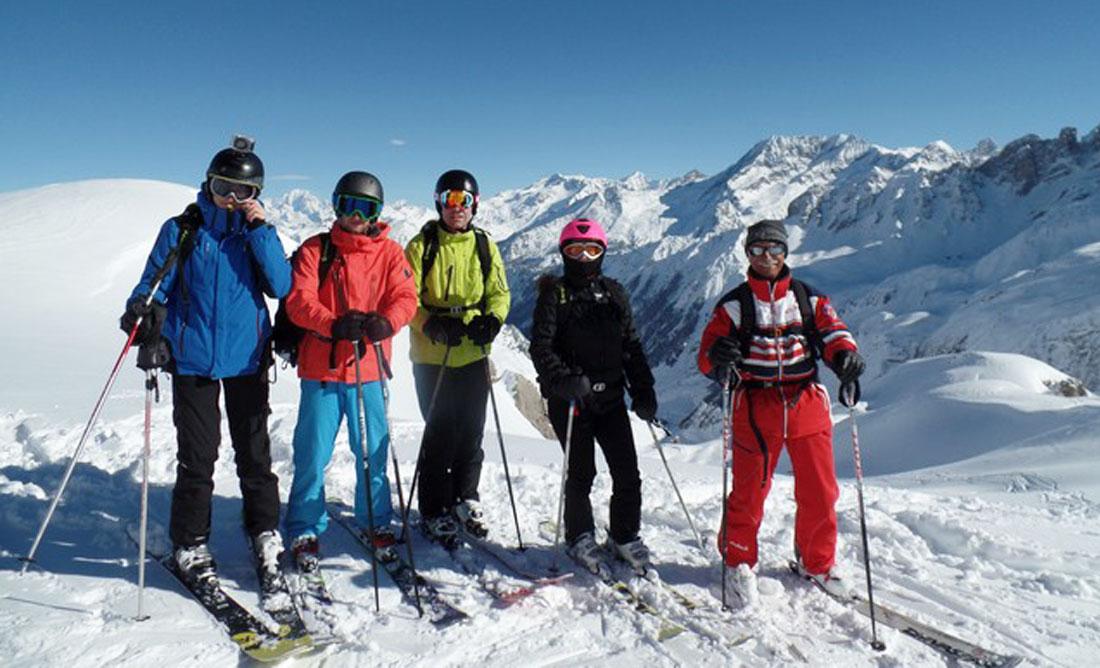 Meribel ski schools. Off piste class.