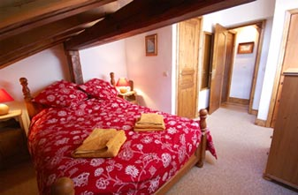 The double bedroom in Chalet Piton