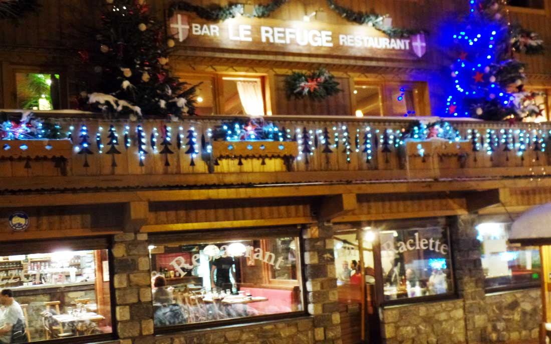 Meribel Restaurants - Refuge Restaurant Night Outside