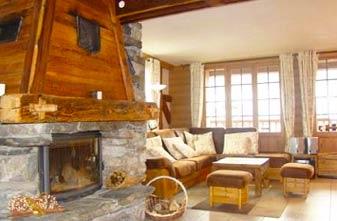 Meribel Chalets - 7 bedrooms Grange Charlotte lounge