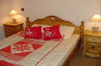 Meribel apartments with 2 bedrooms - A double bedroom