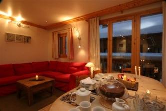 Meribel Chalets - 3 bedrooms Chalet Snowbel lounge