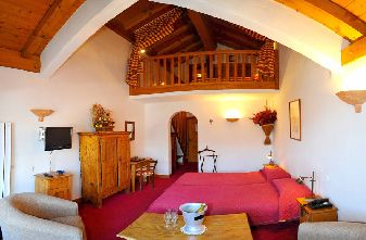 Meribel apartments - 4 bedroom apartment lounge