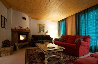 Meribel catered chalets 4 bedrooms - Chalet Quatre Miel lounge