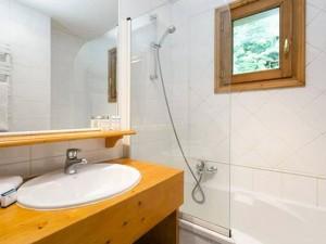 chalet-Noemie-bathroom