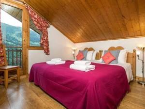 chalet-Noemie-double-bedroom