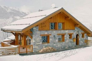 chalet-astemy-outside