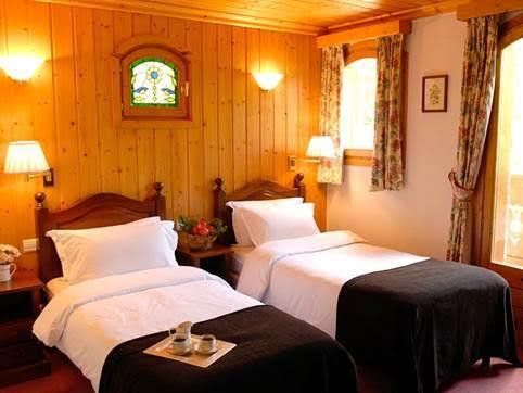 chalet-eleanor-twin-bedroom