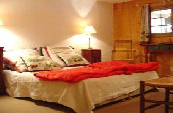Meribel apartments - 4 bedroom apartment double bedroom
