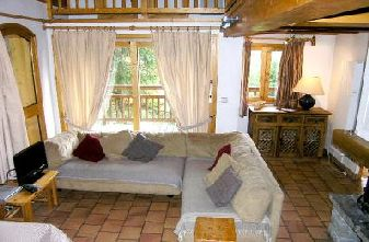 Meribel self catered chalets - chalet Bonmartin lounge