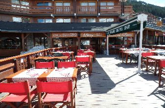 Meribel Mountain restaurants - Terrace restaurant Mottaret