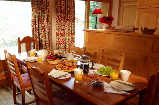 Chalet-Chanteclair-dining-room