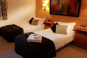 Chalet-Chanteclair-twin-bedroom