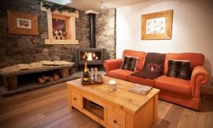 Chalet-Des-neiges-lounge-4-bedrooms-catered