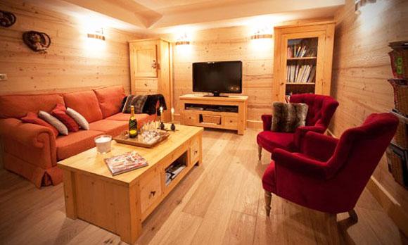 Chalet-Des-neiges-lounge2-4-bedrooms-catered