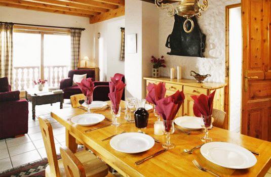 Chalet-Leopold-dining-room