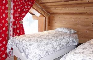 Chalet-Sardonnere-Twin-bedroom