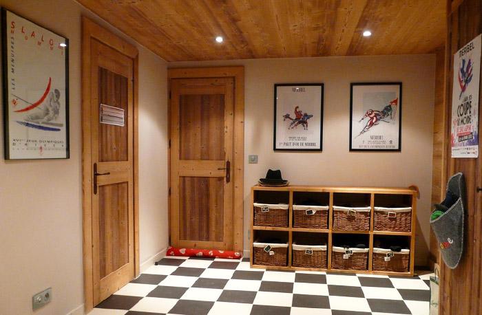 Chalet-Sardonnere-hallway