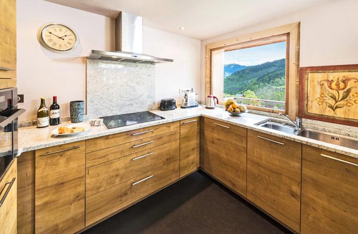 Chalet-Sardonnere-kitchen