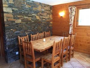 Chez-Zita-dining-room