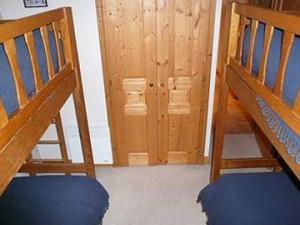 apartment-dou-du-pont-bunk-bedroom
