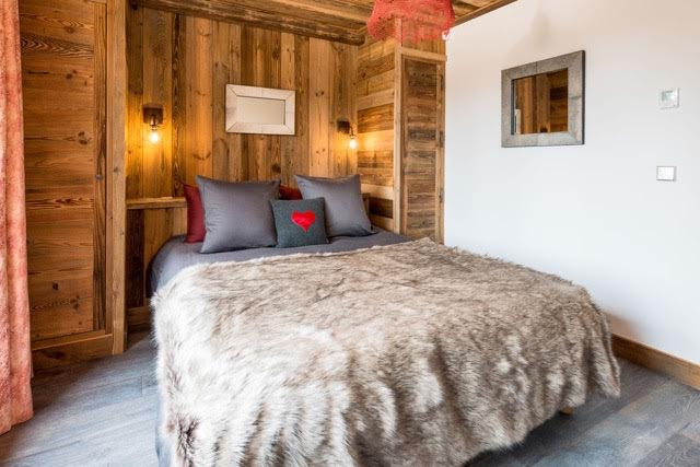 chalet-Chererie-double-bedroom2