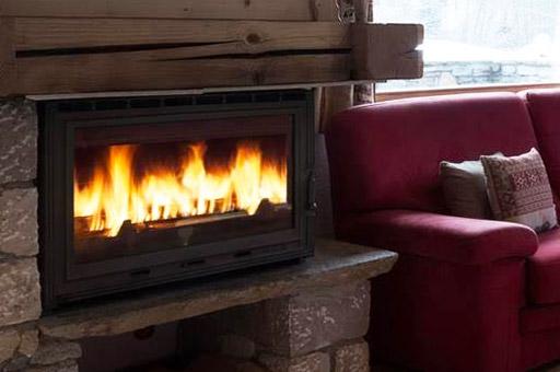 chalet-brenettes-meribel-centre-lounge-fire