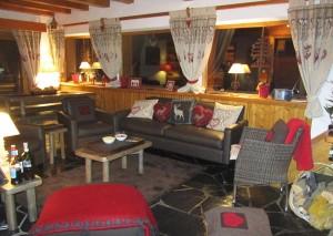 chalet-la-fuge-lounge-room