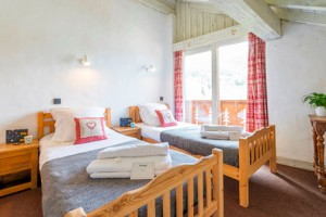 chalet-lou-trave-twin-bedroom