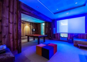 chalet-mont-tremblant-tv-room