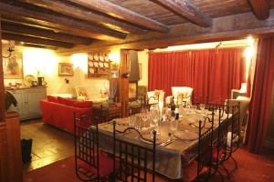 Chalet-Apollonie-dining