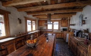 Chalet-LE-RUISSEAU-kitchen