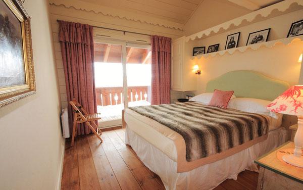 Chalet-Renard-Rouge-bedroom