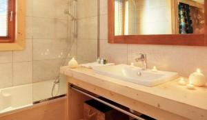 chalet-Bellacima-lodge-5-bedrooms-bathroom