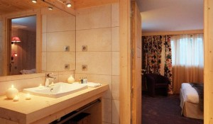 chalet-Bellacima-lodge-5-bedrooms-washroom