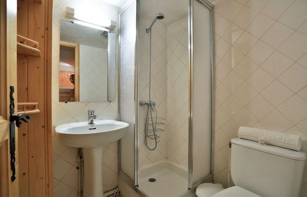 chalet-Gaillard-bathroom