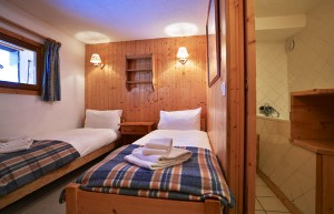 chalet-Gaillard-bedroom2
