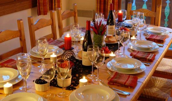 chalet-Larclusaz-dining