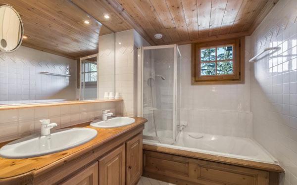 chalet-Marmottieres-bathroom2