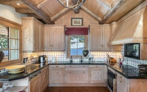 chalet-Marmottieres-kitchen