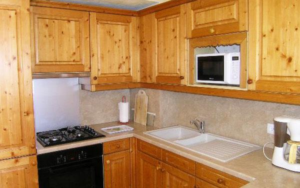 chalet-Motel-kitchen