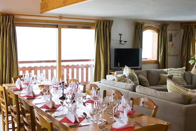 chalet-Nant-De-Morel-dining