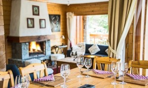 chalet-Phoebe-dining