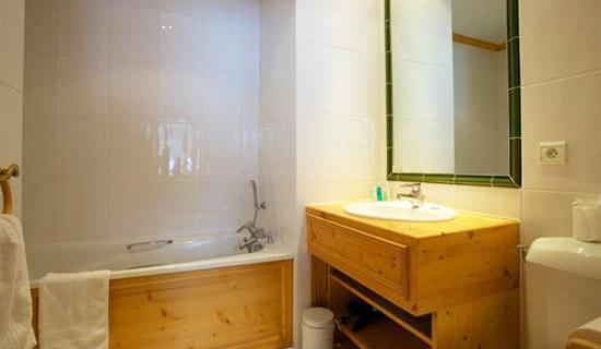 chalet-Quatre-Meules-bathroom